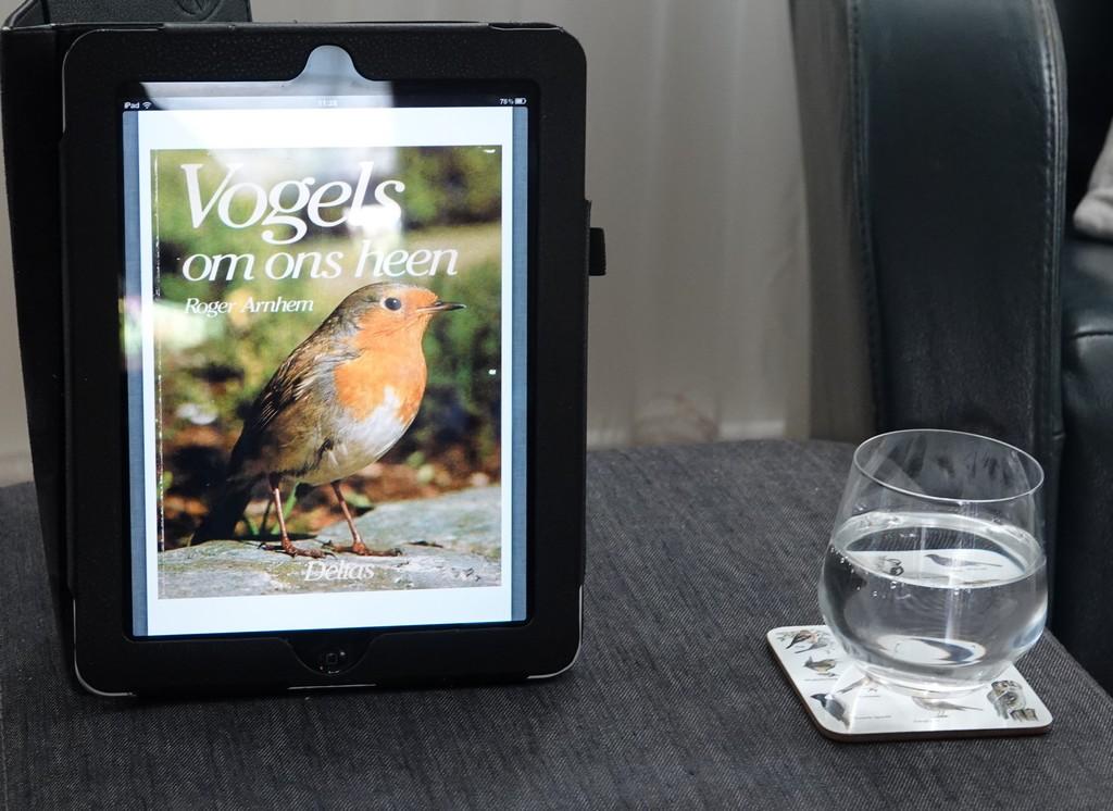 Deze afbeelding heeft een leeg alt-attribuut; de bestandsnaam is CopyrightPPvdVen-iPad1-AlsPDFReader.jpg